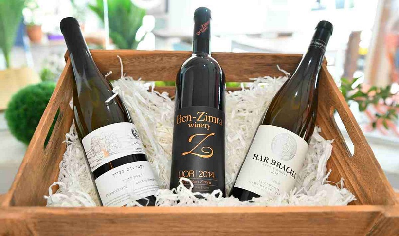 Wine subscription boxes are one of the hottest trends in monthly subscriptions. Join me as we take a look at my favorite plans.