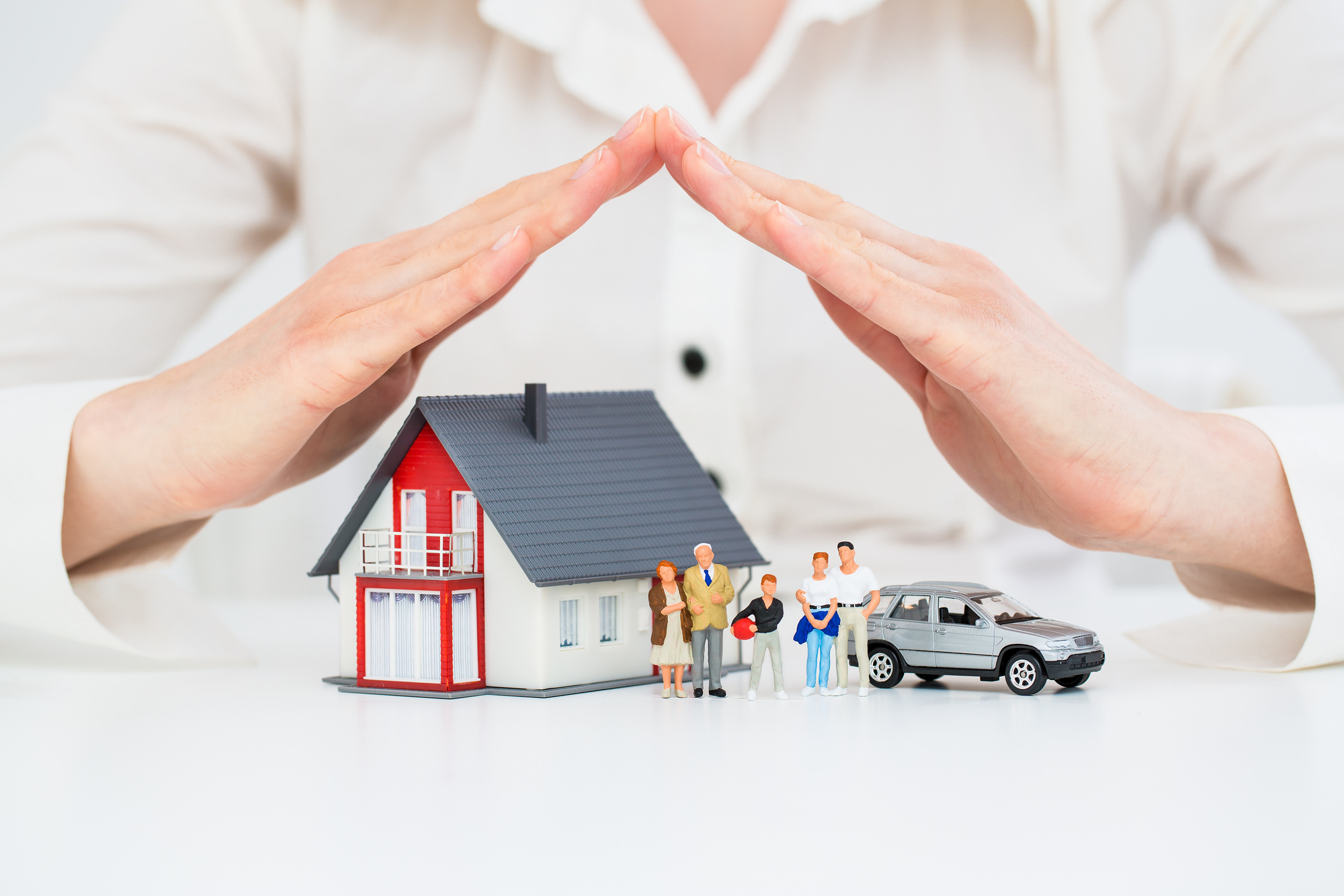 You should know what you can expect to pay when it comes to getting homeowners insurance. Here is the average cost of homeowners insurance.