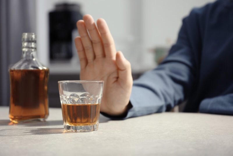 Knowing how to detox from alcohol is an important step in beating alcohol addiction. Detoxing can be dangerous, with a risk of alcohol withdrawal syndrome.